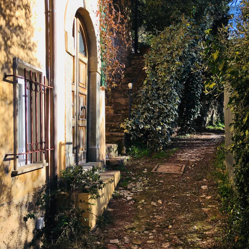 Sentiero CAI Lerici - La Serra - Fiascherino - Tellaro. Location scouting Italia. Duzimage