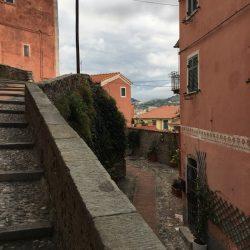 Salita Via Revellino verso il Castello di Lerici. Location Scouting Italia. Duzimage