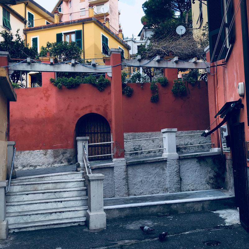 Zona pedonale nei pressi del supermercato Margherita di Lerici. Location Scouting Italia - duzimage