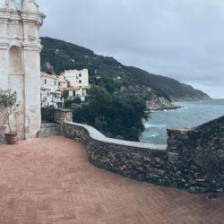 Location Scouting Italia - Tellaro, recensito come uno dei Borghi più belli d'Italia, fa parte del territorio del Comune di Lerici affacciandosi sul Golfo dei Poeti. Oratorio Selàa