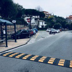Inizio zona ZTL di Tellaro. Parcheggio nei pressi del Ristorante La Miranda - Location Scouting Italia - duzimage