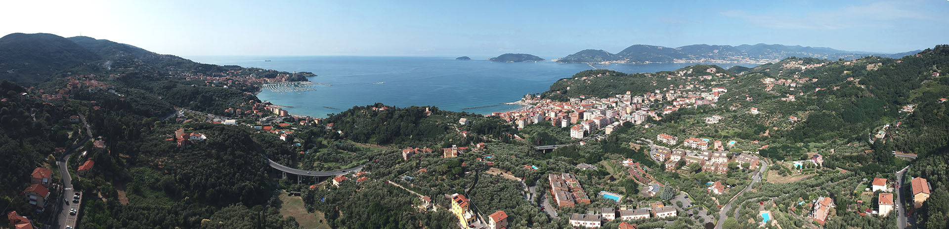 Panoramica aerea del Golfo di Lerici in Provincia di La Spezia realizzata dallo studio 3dmetrica.it