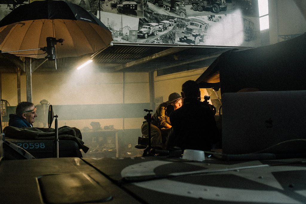 dietro le quinte del ritratto storico WAC, progetto personale del fotografo commerciale David U. Zappa. Flash Profoto B1 posizionato in alto a sinistra alle spalle del soggetto. Immagine realizzata da Sebastiano Bongi Tomà