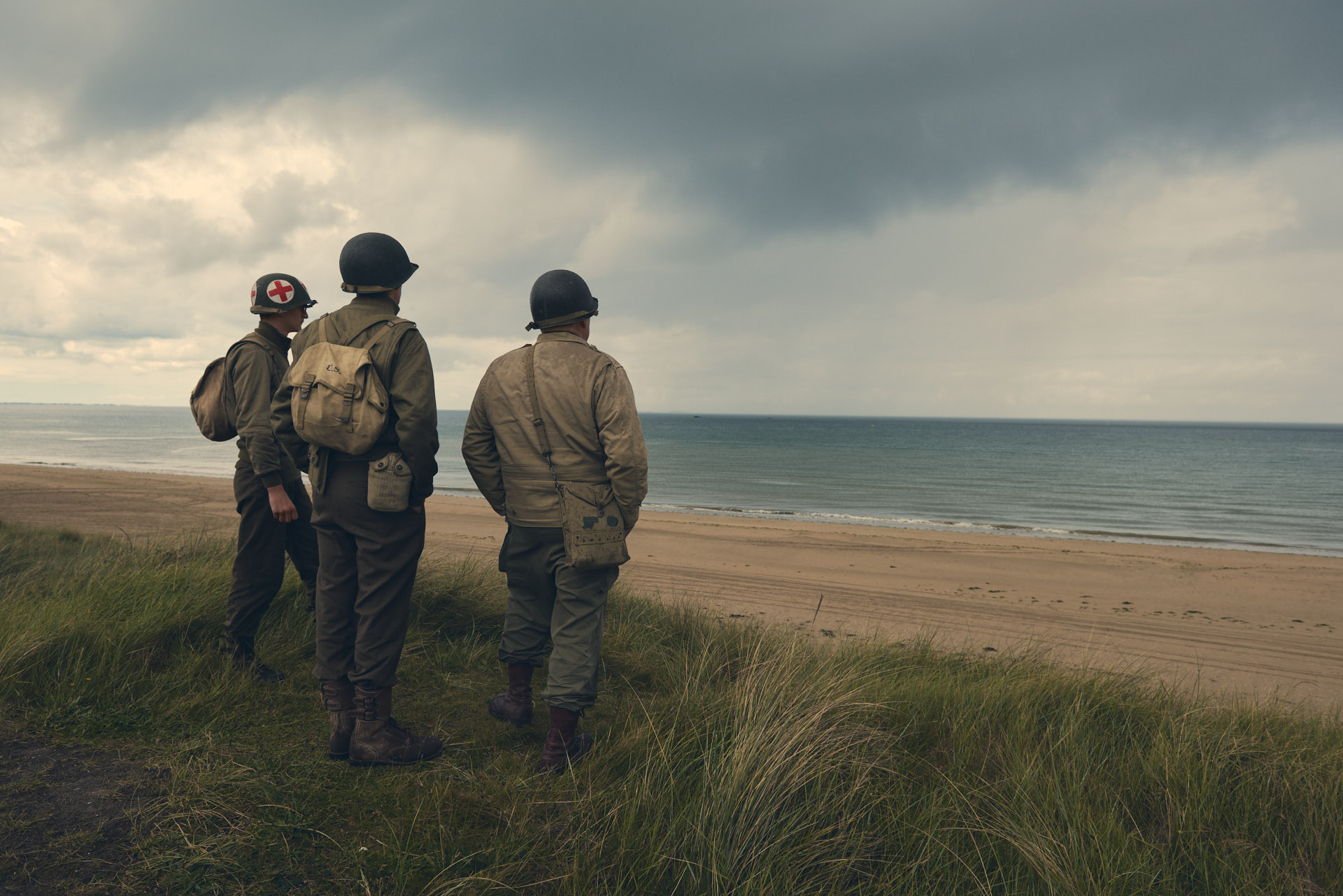 Portrait of three WWII soldiers along the shores of Normandy - Utah beach - ritratto di soldato lungo le spiagge della Normandia