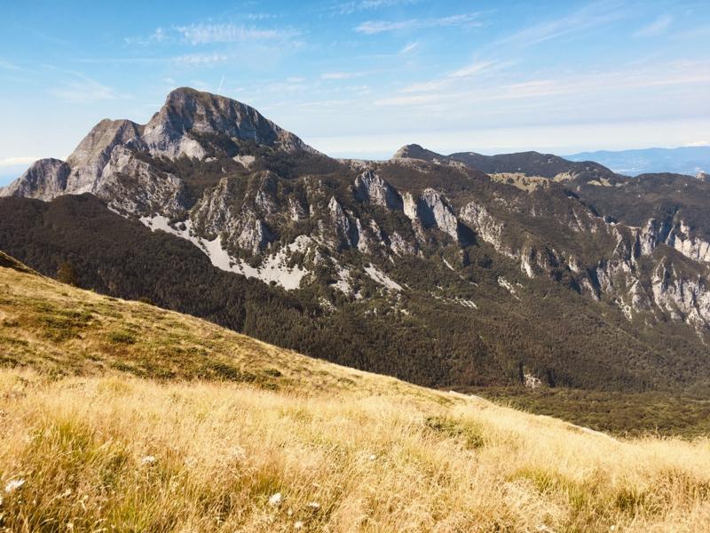 Vista parete nord del monte Sagro - Alpi Apuane. Prato di Passo Giovo